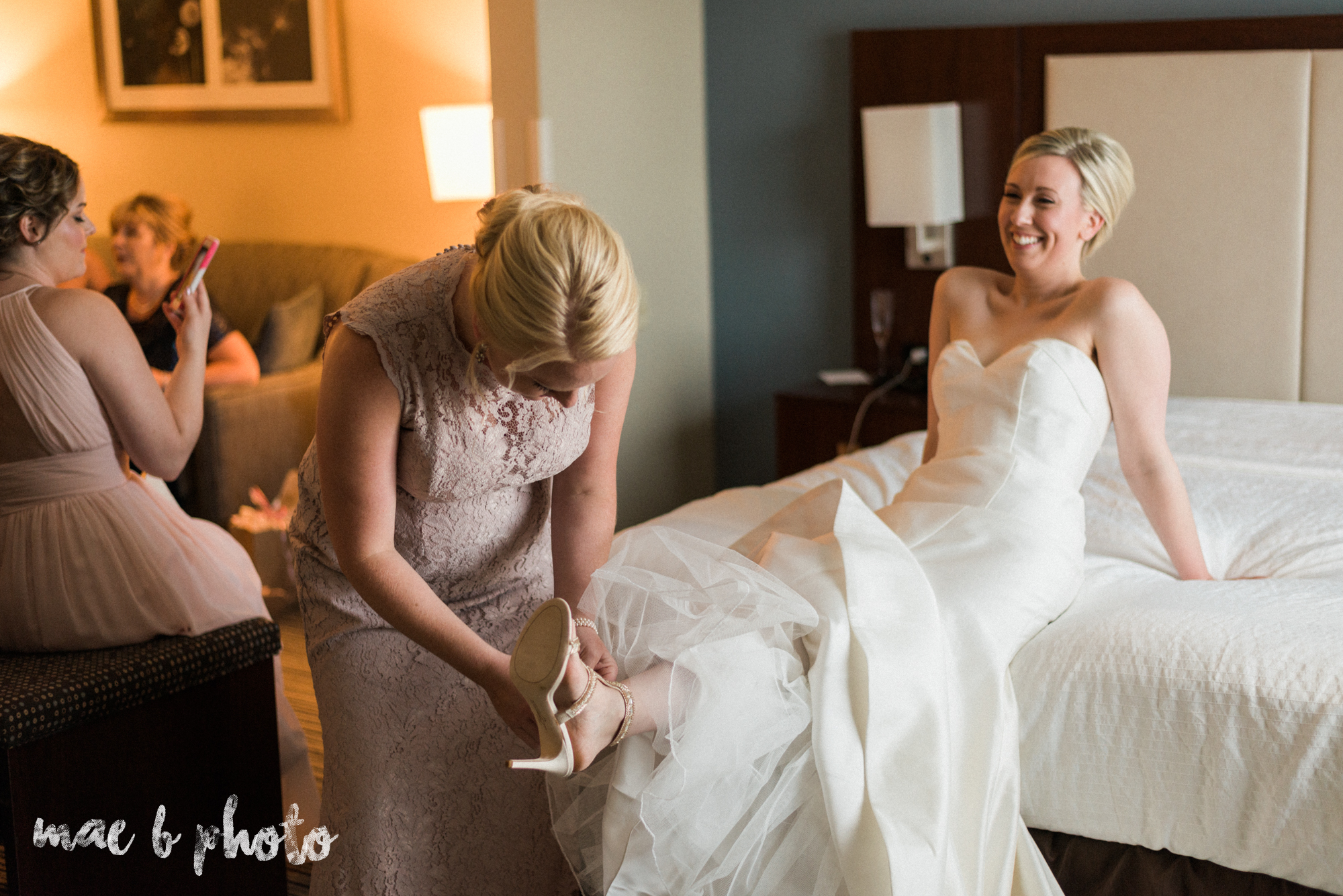 emily and michael's industrial chic summer country club wedding at the lake club in poland ohio photographed by cleveland wedding photographer mae b photo-39.jpg