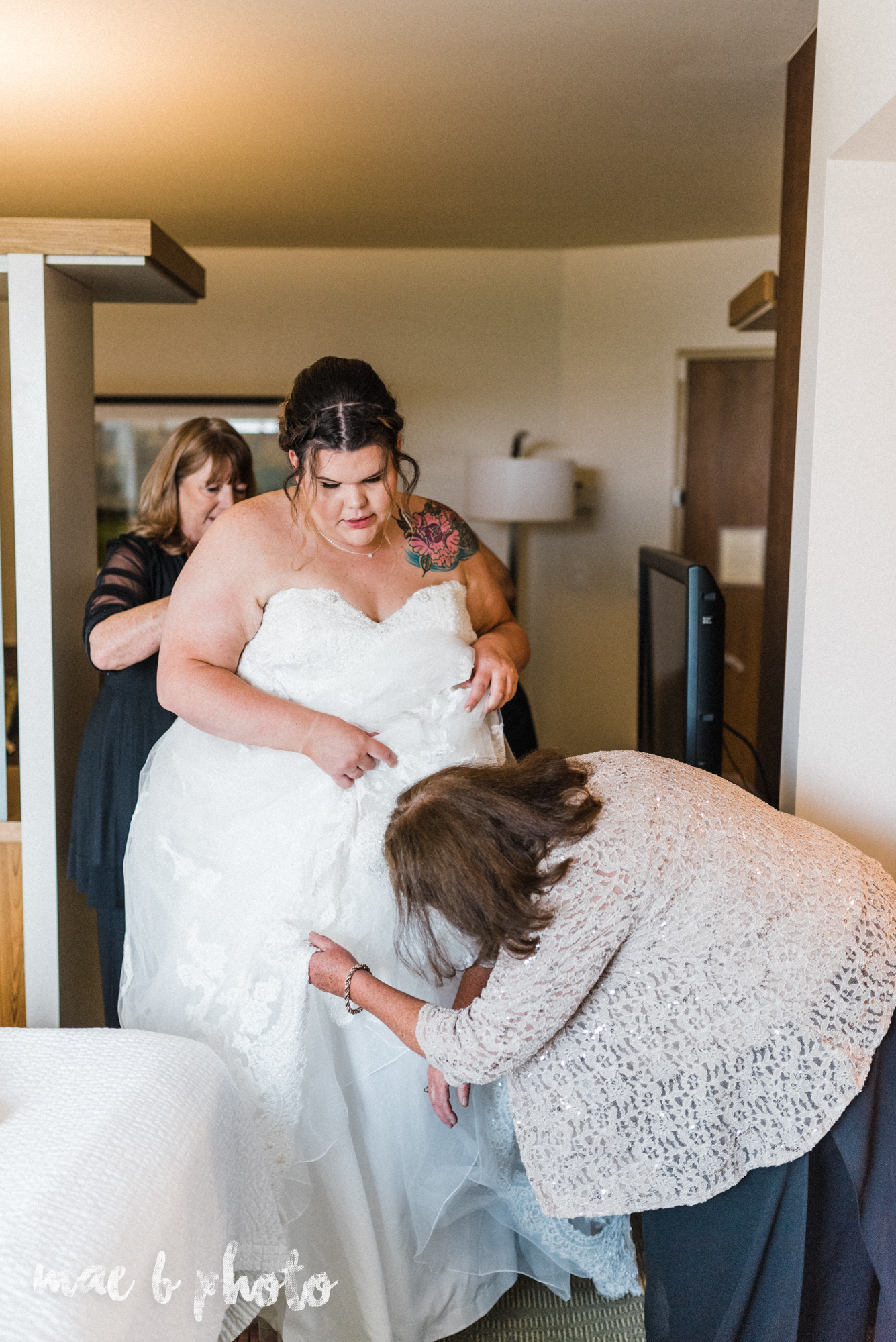 Kristina and ryan's personal vintage glam fall wedding at disalvo's station restaurant and the arnold palmer latrobe country club in latrobe, pa photographed by youngstown wedding photographer mae b photo-11.jpg