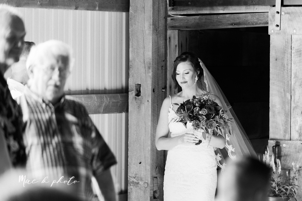 chelsea and jared's simple and elegant rustic barn wedding at my wish weddings in new springfield ohio photographed by youngstown wedding photographer mae b photo-36.jpg