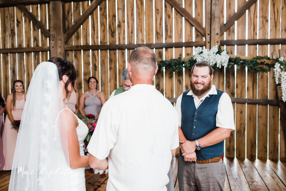 chelsea and jared's simple and elegant rustic barn wedding at my wish weddings in new springfield ohio photographed by youngstown wedding photographer mae b photo-43.jpg