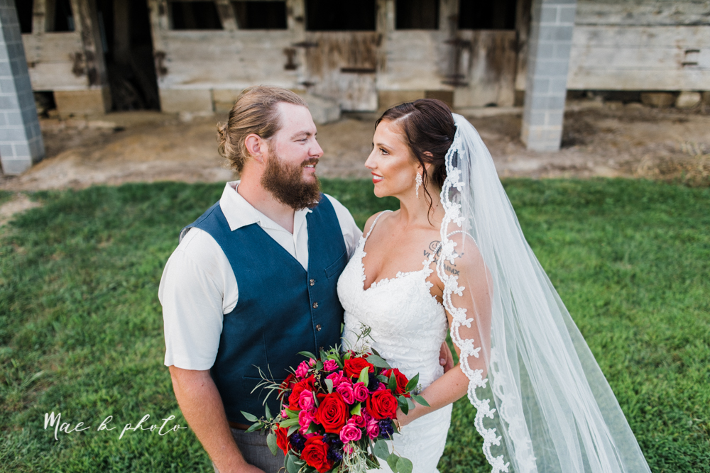 chelsea and jared's simple and elegant rustic barn wedding at my wish weddings in new springfield ohio photographed by youngstown wedding photographer mae b photo-86.jpg