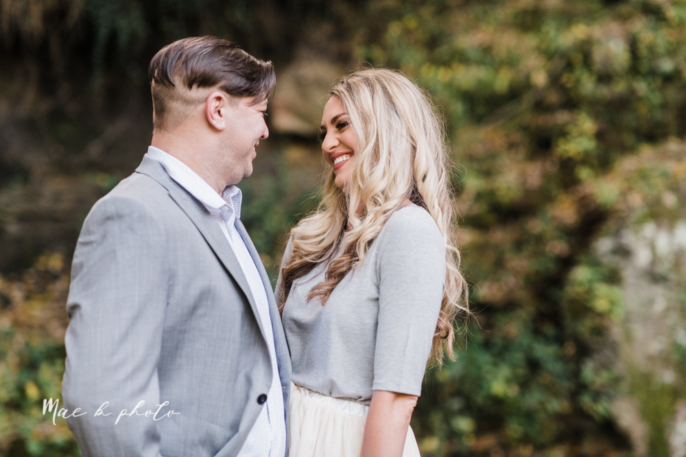 courtney and andy's vintage fall engagement session in mill creek park at pioneer pavilion and lake glacier in youngstown ohio photographed by youngstown wedding photographer mae b photo-3.jpg