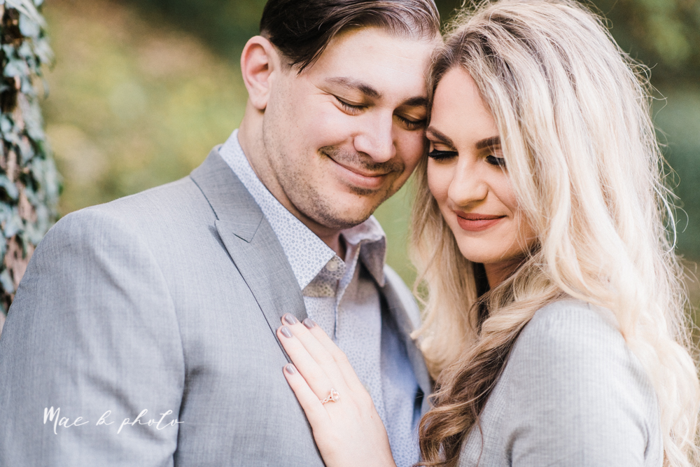 courtney and andy's vintage fall engagement session in mill creek park at pioneer pavilion and lake glacier in youngstown ohio photographed by youngstown wedding photographer mae b photo-8.jpg