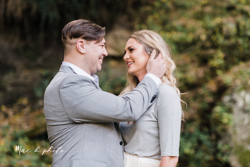 courtney and andy's vintage fall engagement session in mill creek park at pioneer pavilion and lake glacier in youngstown ohio photographed by youngstown wedding photographer mae b photo-4.jpg
