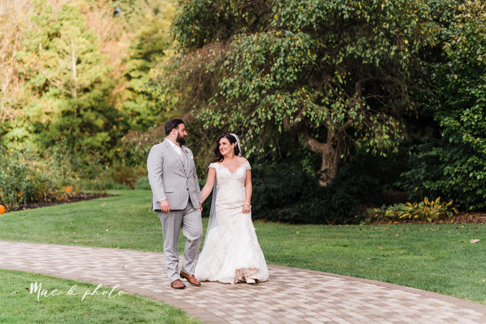 casey and matt's big fun italian fall wedding at st robert's church in cortland ohio and avion on the water in youngstown ohio and fellows riverside gardens in mill creek park photographed by youngstown wedding photographer mae b photo -162.jpg