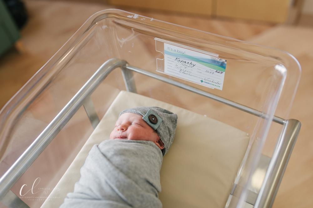 Warren_Ohio_Birth_Photographer_Christie_Leigh_Photo_Youngsotwn_Ohio_Baby_Boy_Fresh_48_Hospital_Session_Boardman_Ohio_St_Elizabeths_boarman (35 of 41).JPG