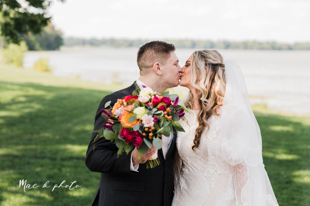 courtney and andy's elegant vintage summer vineyard wedding at the vineyards at pine lake in columbiana ohio photographed by youngstown wedding photographer mae b photo-60.jpg