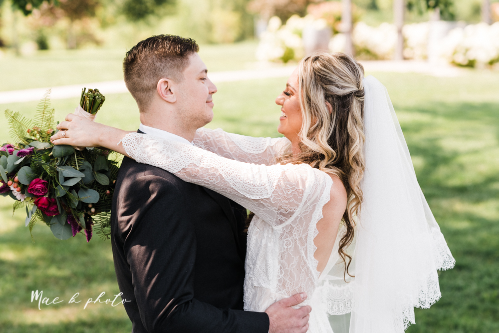 courtney and andy's elegant vintage summer vineyard wedding at the vineyards at pine lake in columbiana ohio photographed by youngstown wedding photographer mae b photo-54.jpg