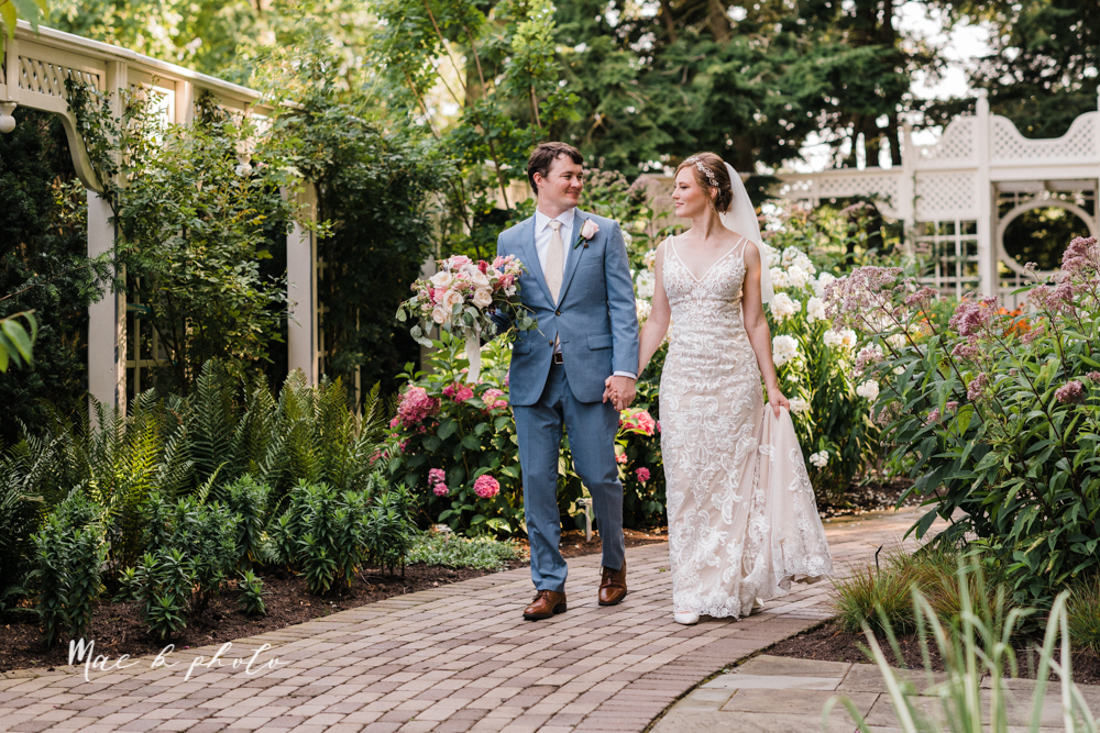 christina and michael's baseball themed midwest wedding at drake's landing and river's fellowside gardens in mill creek park in  youngstown ohio and holy family parish in poland ohio photographed by youngstown wedding photographer mae b photo-75.jpg