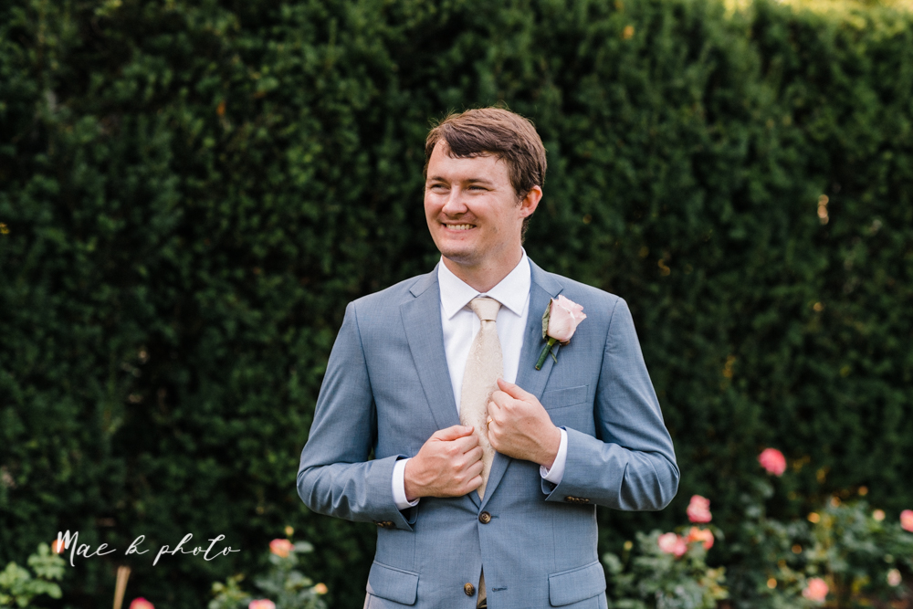 christina and michael's baseball themed midwest wedding at drake's landing and river's fellowside gardens in mill creek park in  youngstown ohio and holy family parish in poland ohio photographed by youngstown wedding photographer mae b photo-91.jpg