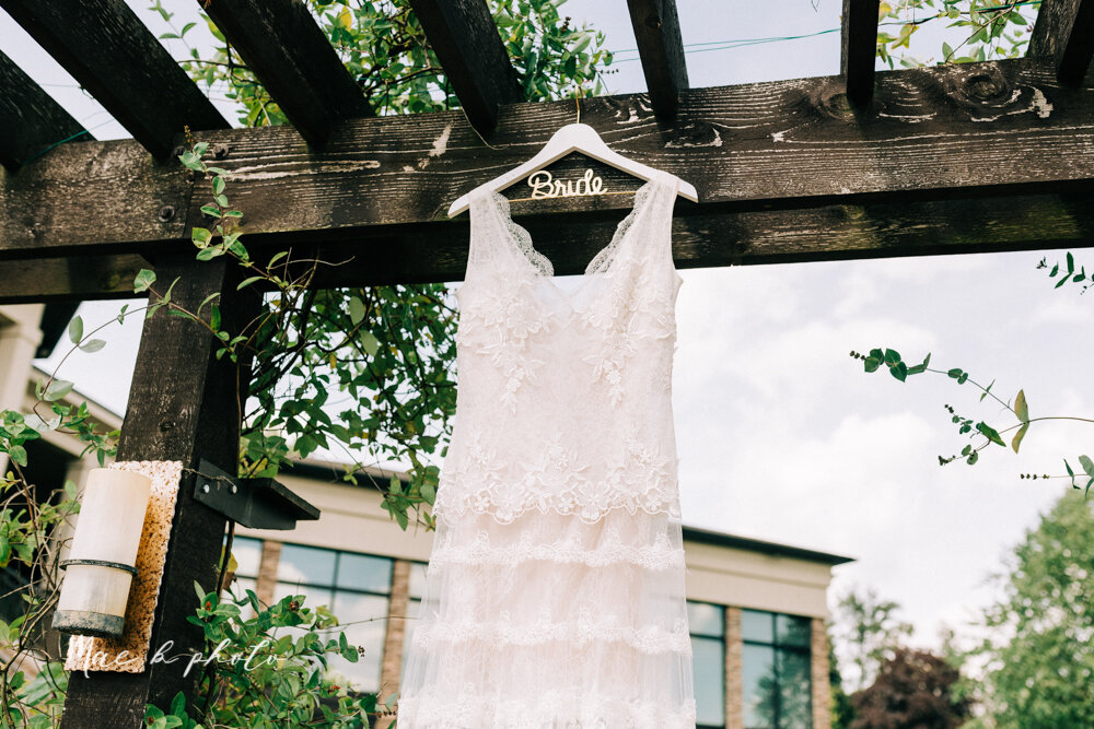 kirsten and noll's elegant unique country club summer wedding at the lake club in poland ohio photographed by youngstown wedding photographer mae b photo-5.jpg