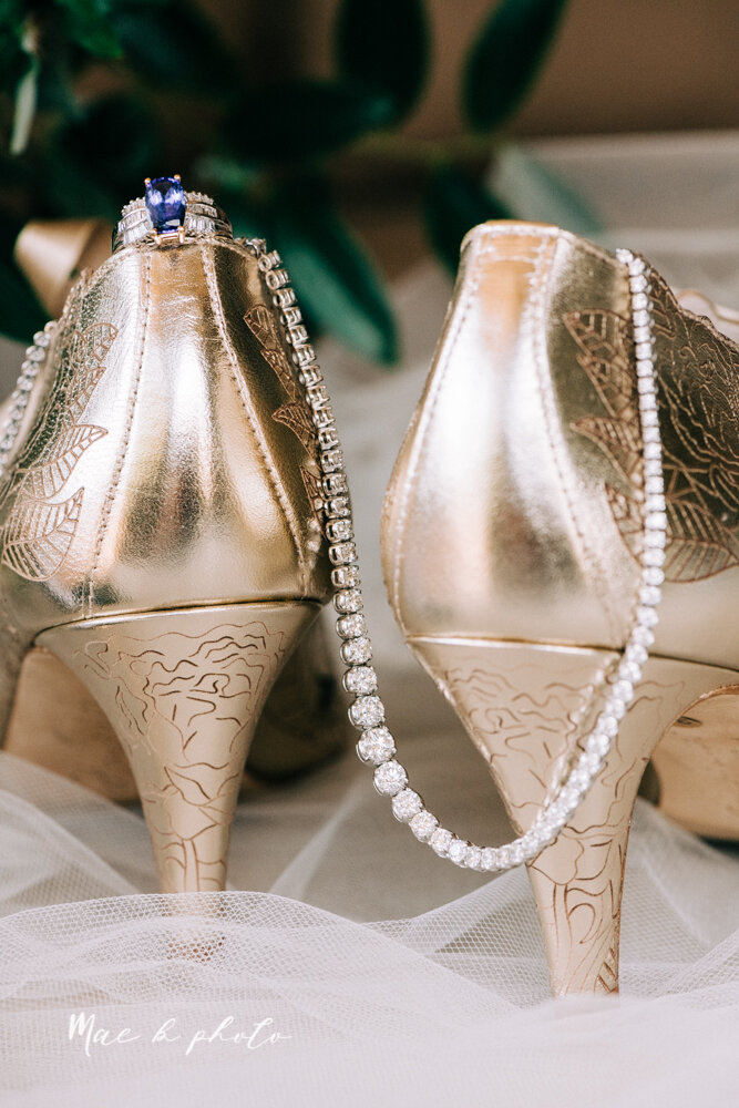 kirsten and noll's elegant unique country club summer wedding at the lake club in poland ohio photographed by youngstown wedding photographer mae b photo-17.jpg