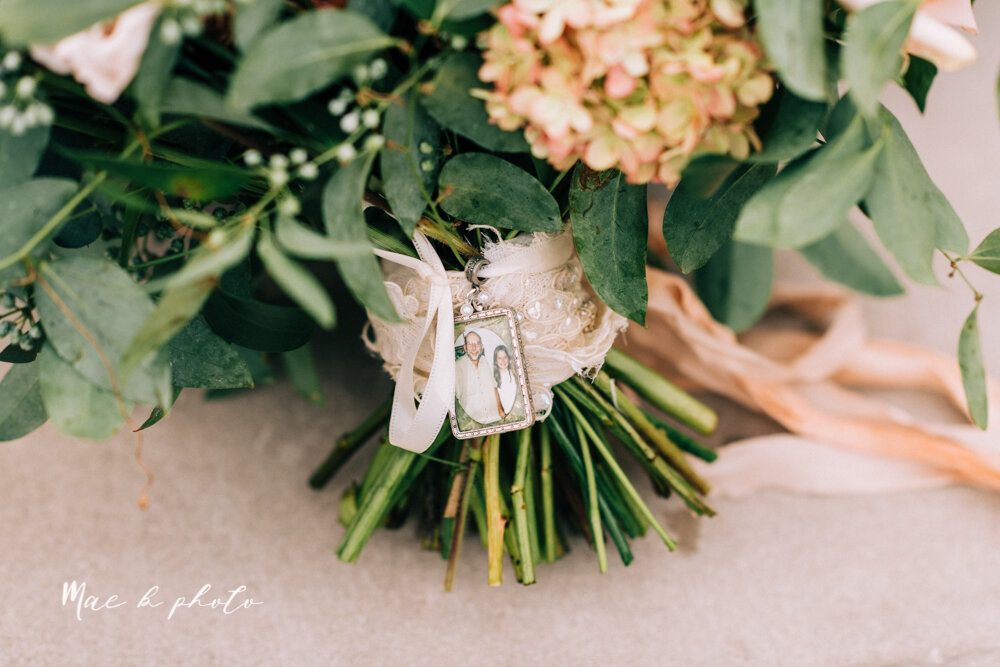 kirsten and noll's elegant unique country club summer wedding at the lake club in poland ohio photographed by youngstown wedding photographer mae b photo-43.jpg