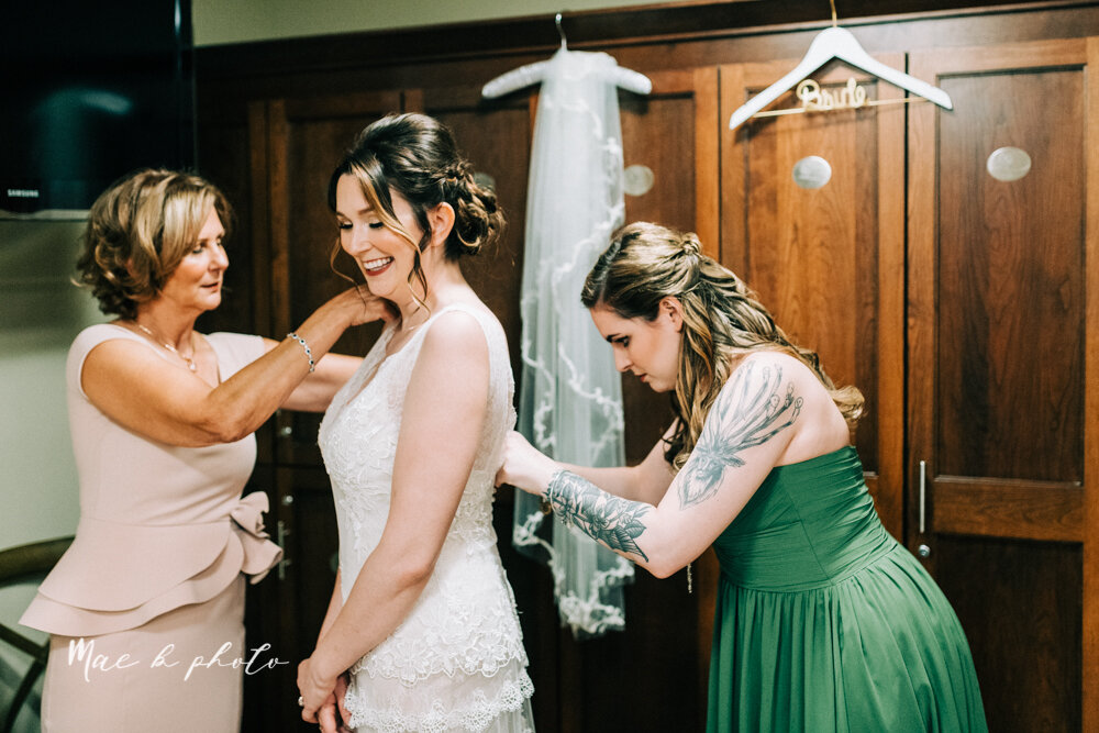 kirsten and noll's elegant unique country club summer wedding at the lake club in poland ohio photographed by youngstown wedding photographer mae b photo-31.jpg