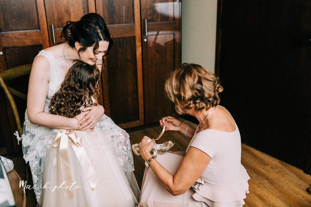 kirsten and noll's elegant unique country club summer wedding at the lake club in poland ohio photographed by youngstown wedding photographer mae b photo-35.jpg