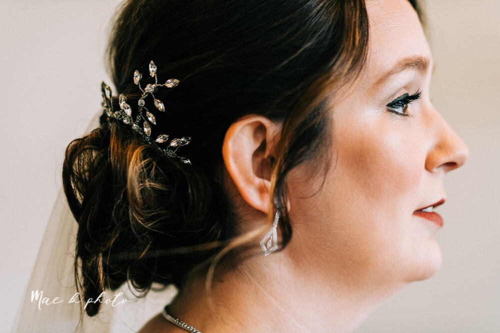kirsten and noll's elegant unique country club summer wedding at the lake club in poland ohio photographed by youngstown wedding photographer mae b photo-40.jpg
