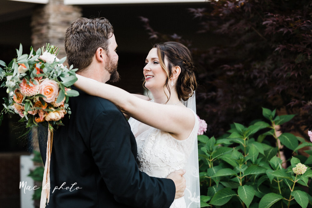 kirsten and noll's elegant unique country club summer wedding at the lake club in poland ohio photographed by youngstown wedding photographer mae b photo-261.jpg