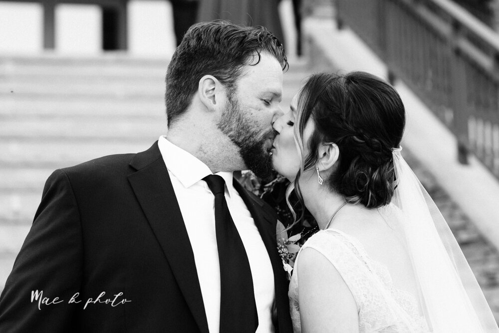 kirsten and noll's elegant unique country club summer wedding at the lake club in poland ohio photographed by youngstown wedding photographer mae b photo-104.jpg