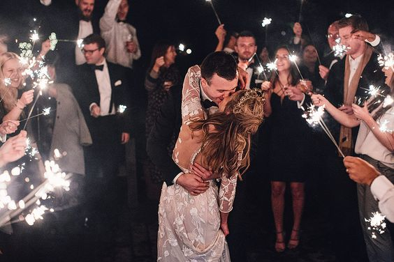 how to have a winter wedding
