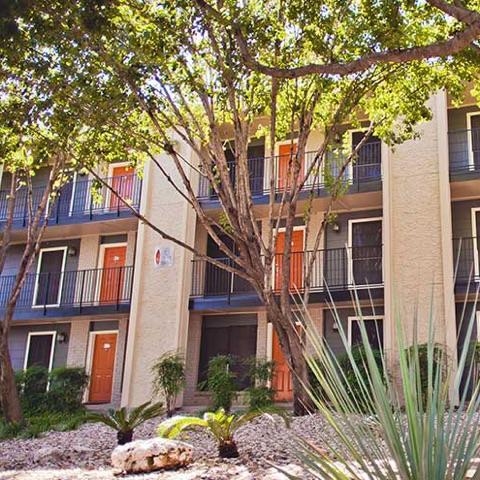 2/2 - $1210 - App Fee Waived   Austin, Texas 78741  378 square feet