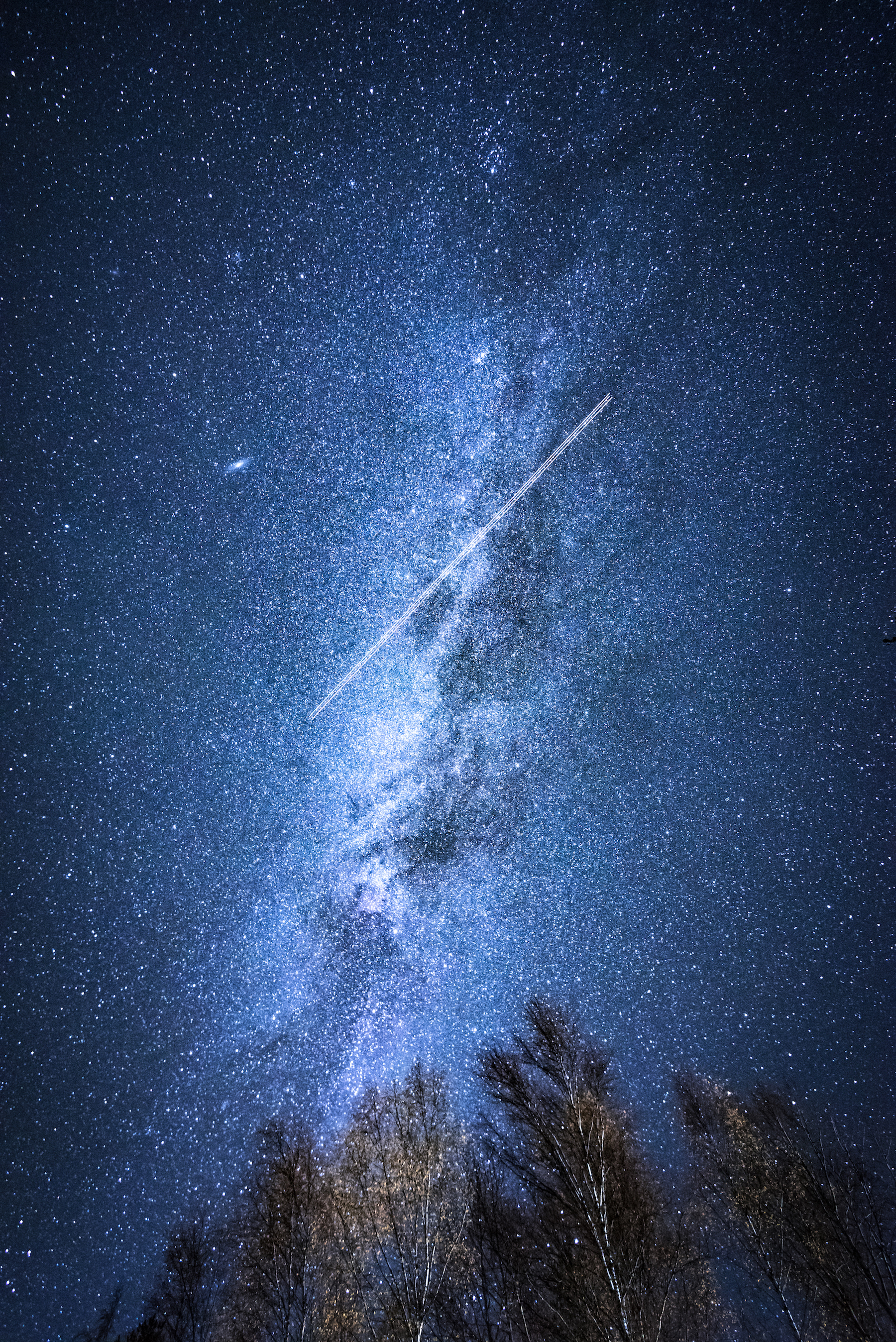 milkyway-with-plane-light-trail-thomas-drouault-portfolio.jpg