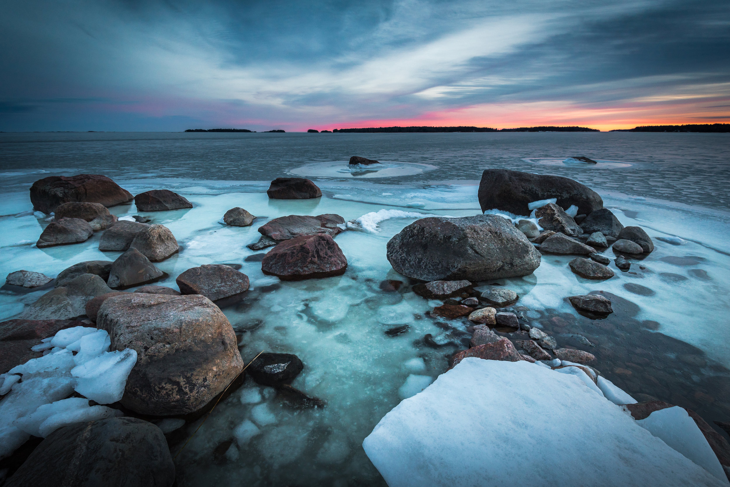 frozen-sea-landscape-winter-finland-thomas-drouault.jpg