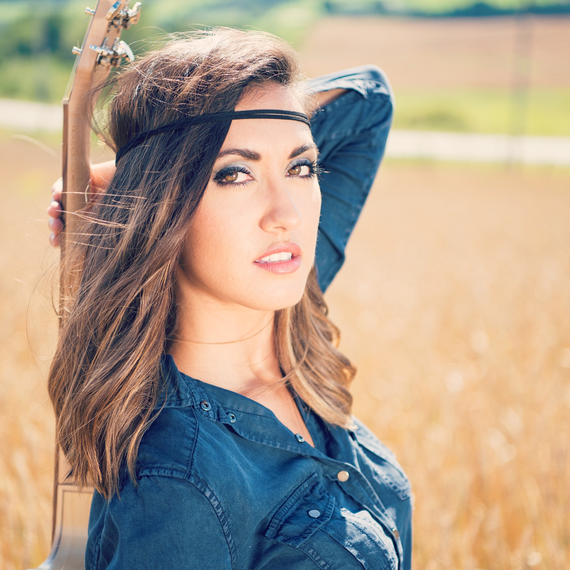 Genre  :Country-pop \ Folk-pop  Hometown : Saint-Prosper, Quebec, Canada