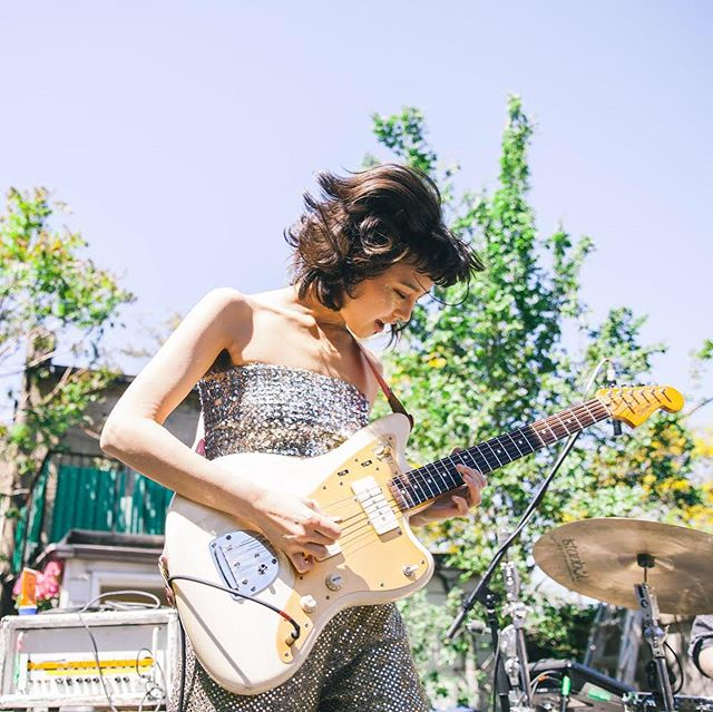 last weekend at the @royalmountainrecords backyard BBQ ✨ our next one is next Saturday June 22nd at the @handlebar_to with @halomaud !! 🦋 pics by @andrevarty 🌿