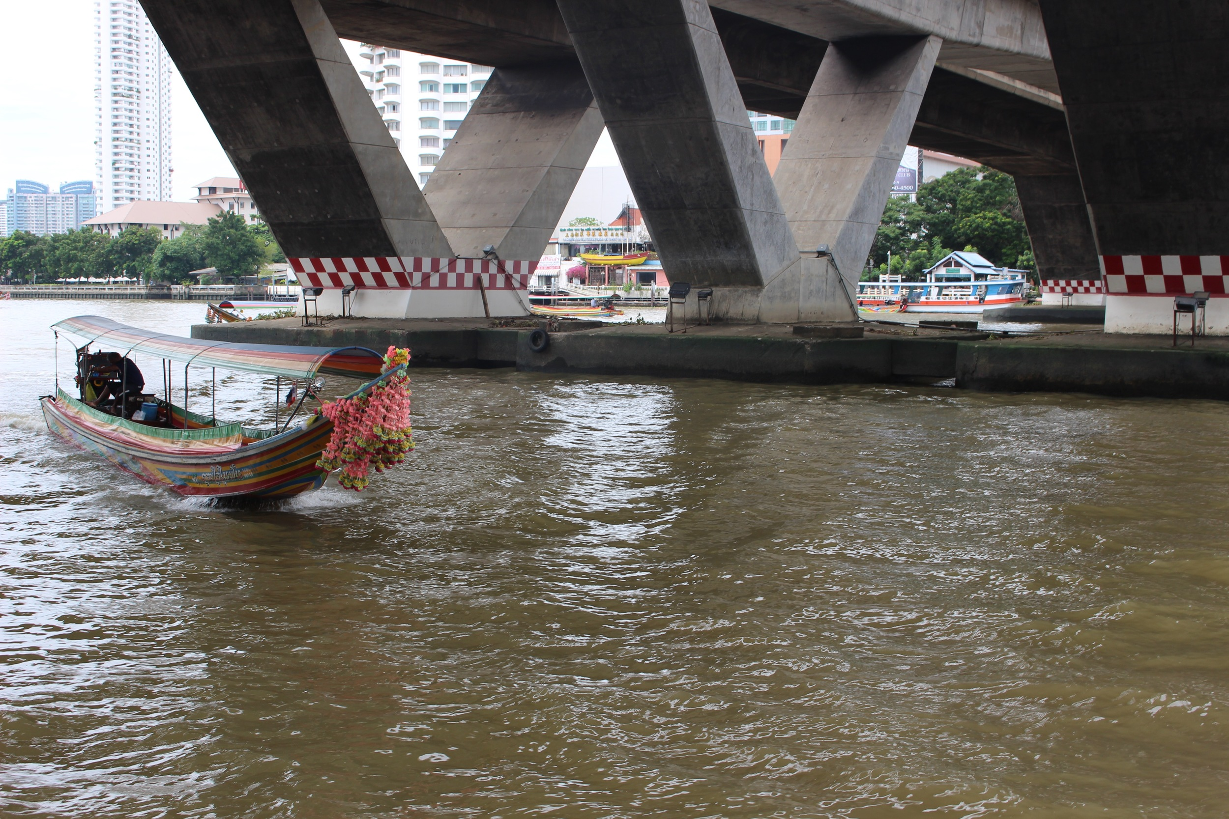 THAILAND-BOAT2