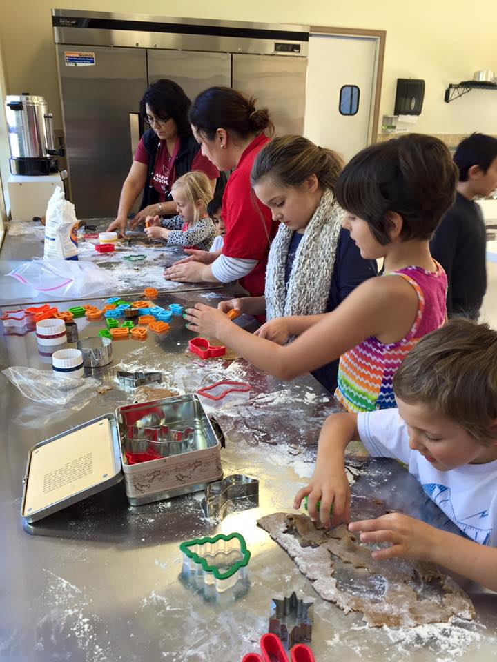A children's baking workshop for the holidays