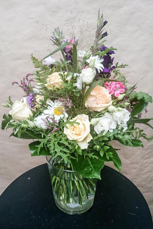 Blumen_DonaFlor_Natuerliche_Floristik_Sommerstrauß_Savita.jpg