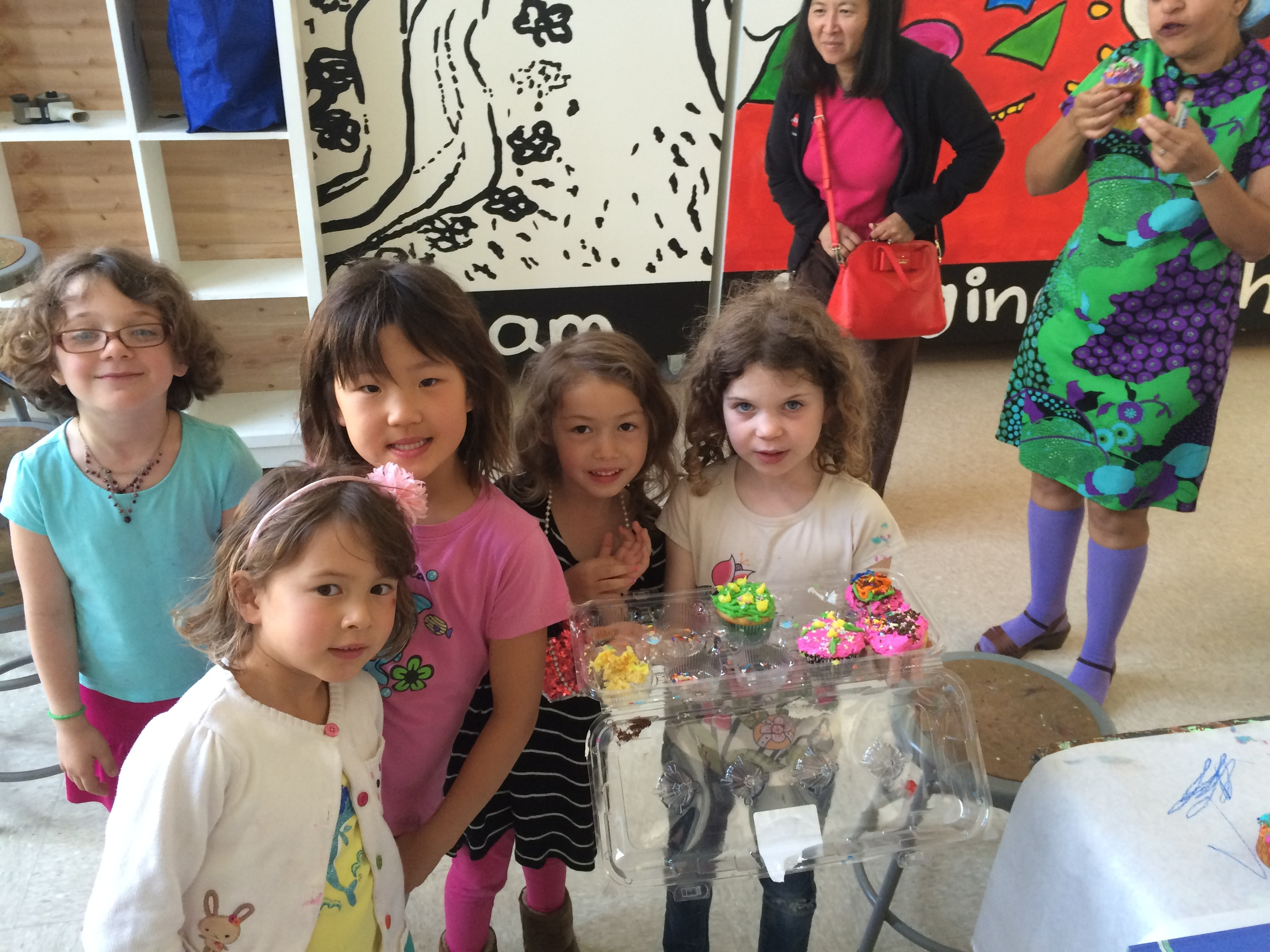 6 kids with cupcakes.jpg