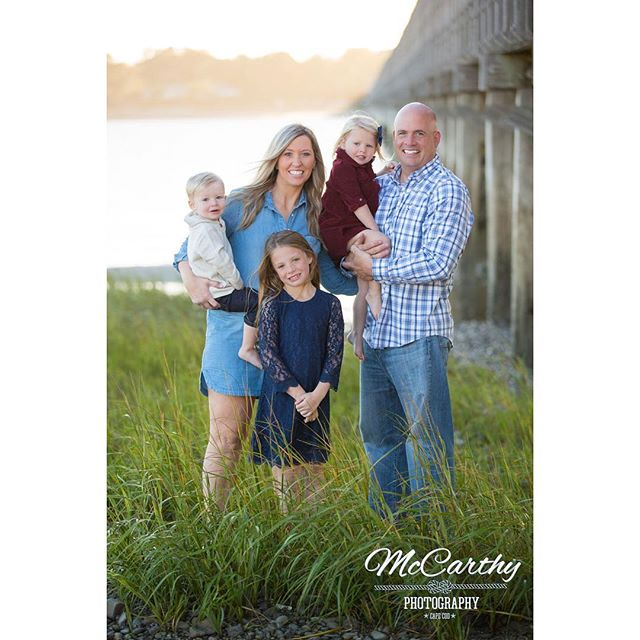 """Family is not an important thing. It's everything."" -Michael J Fox #familyphotography #family #familygoals #capecodphotographer #familyphotographer #capecodphotographer #capecodfamilyphotographer #capecodportraitphotographer #duxbury #duxburybeach #powderpointbridge"
