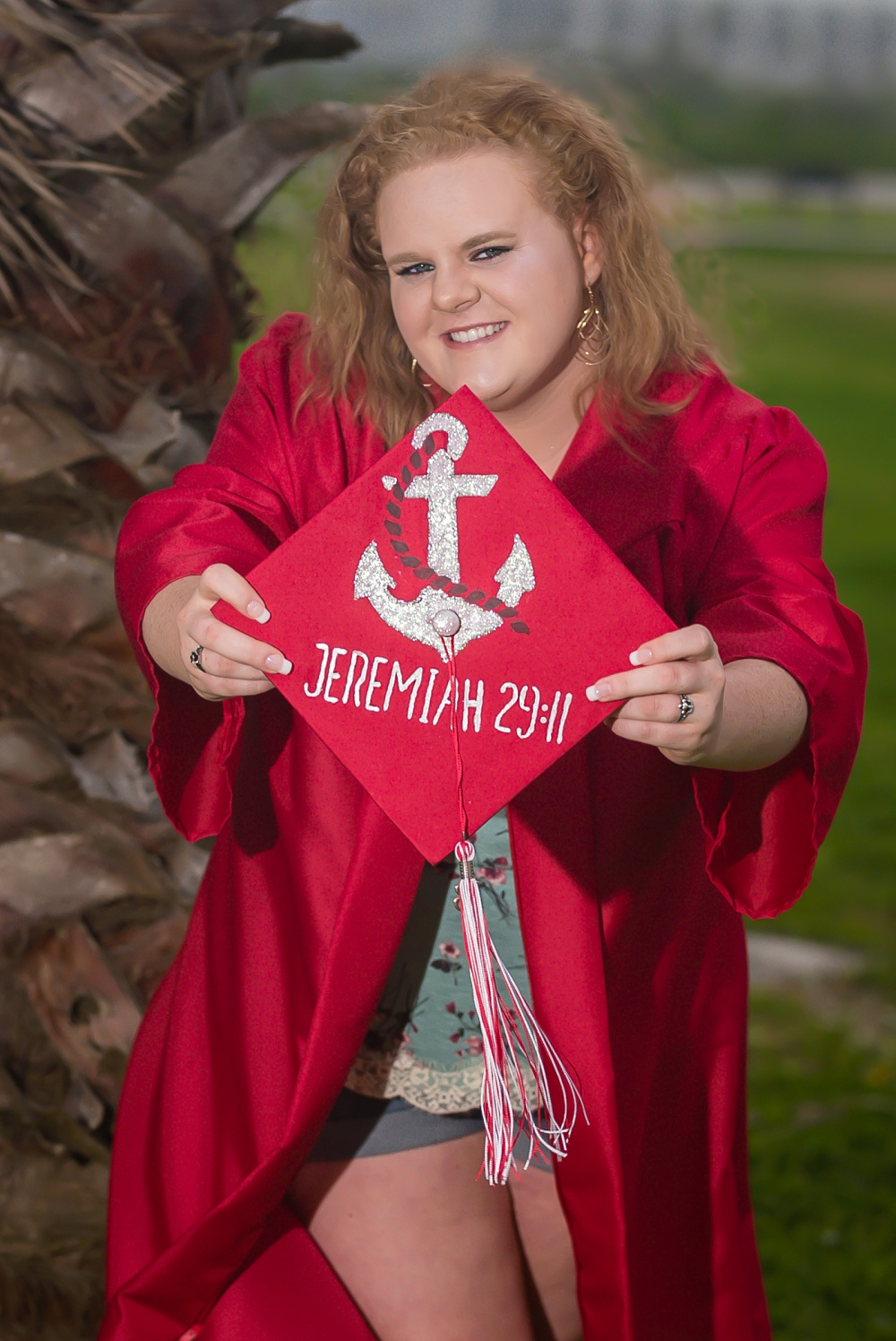 Creations by Jewel_Senior pictures_cap and gown.jpg