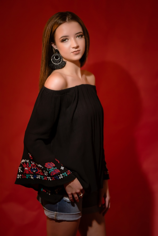 Creations by Jewel_fashion_Backwater Boutique_black shirt.jpg