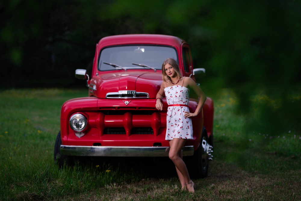 Creations by Jewel_red_retro_truck_Senior Pictures.jpg