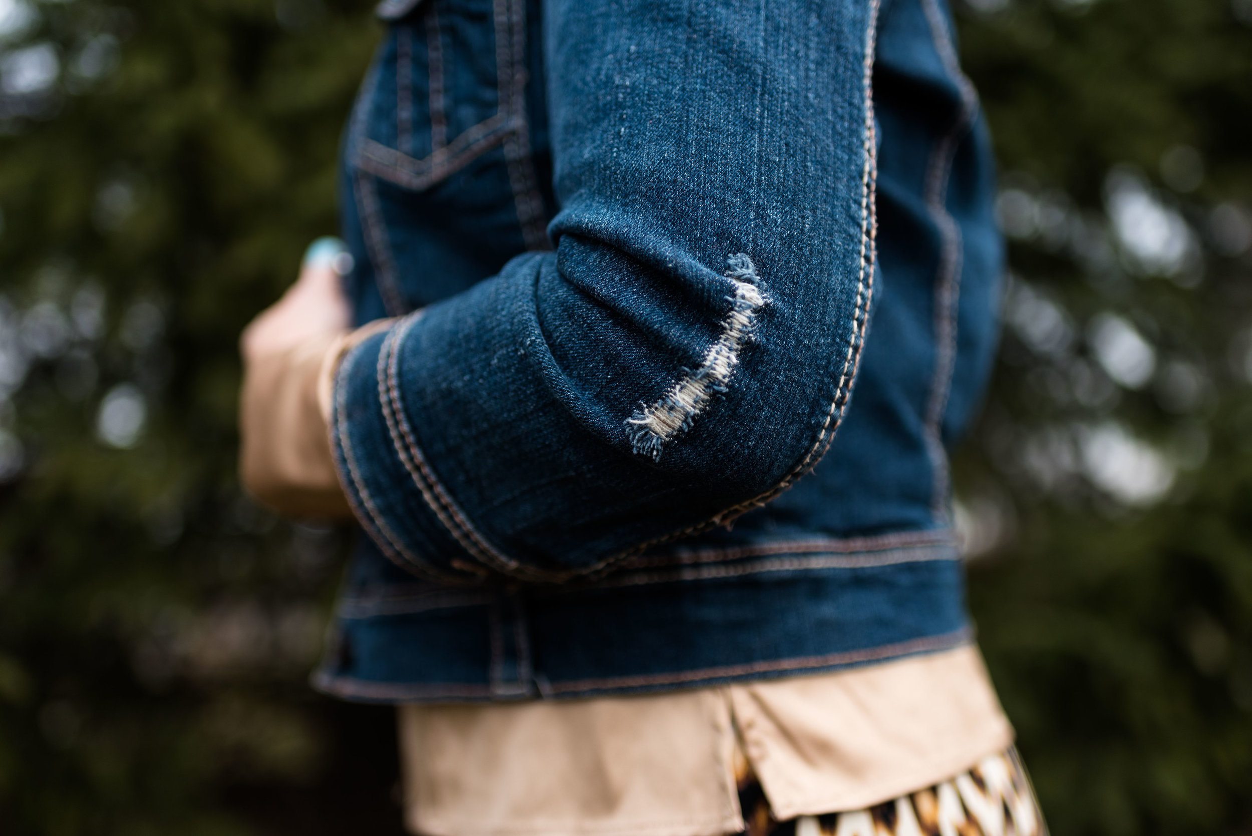 fashionblogover40winterstylegoldleopardprint-9.jpg