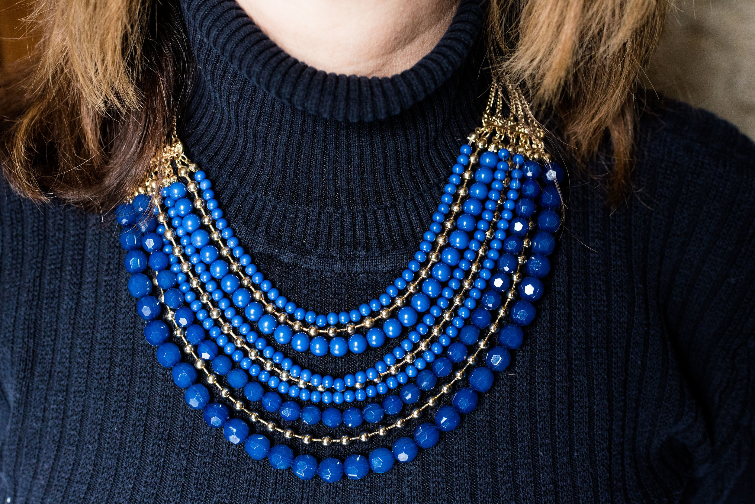 awesome accessory - short statement necklace with beads and metal