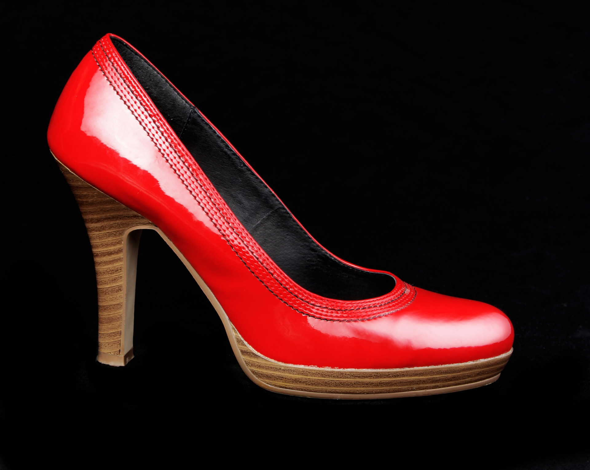 shoes-361406_1920.jpg