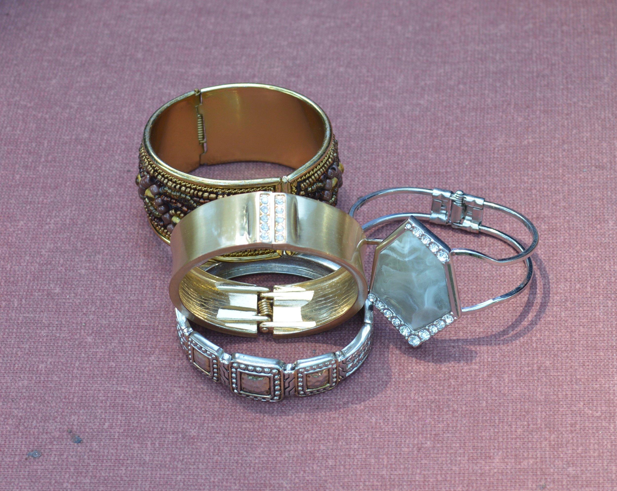 hinged bangles