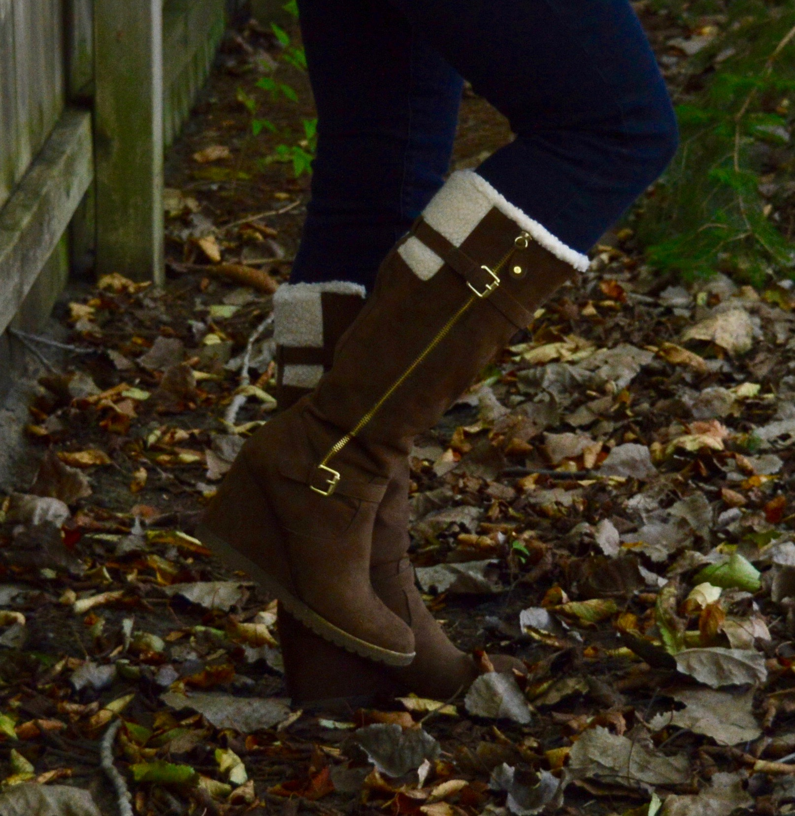 Shearling boot outfit