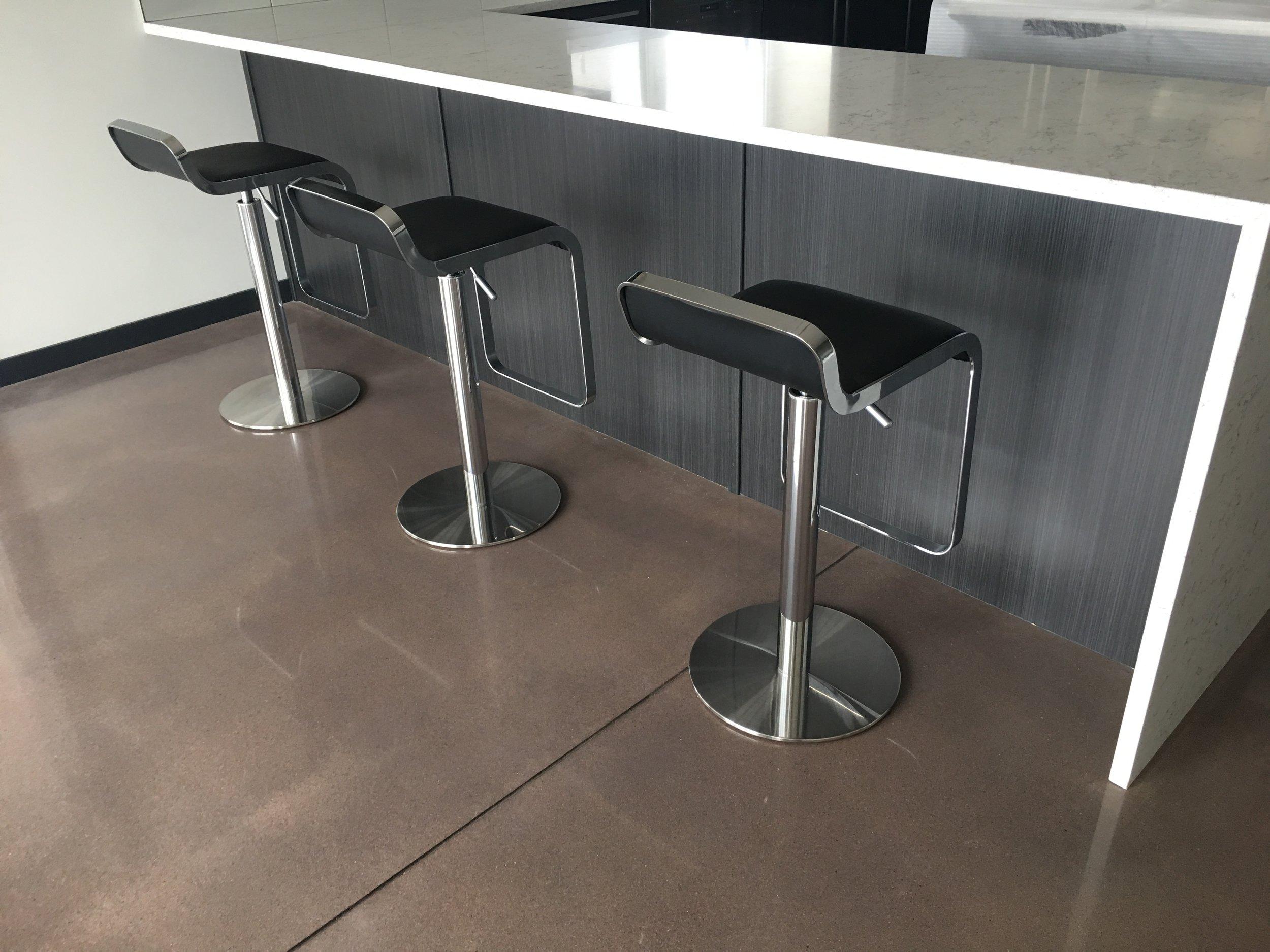 deltacrete halifax moncton nb ns epoxy concrete floors bar.JPG