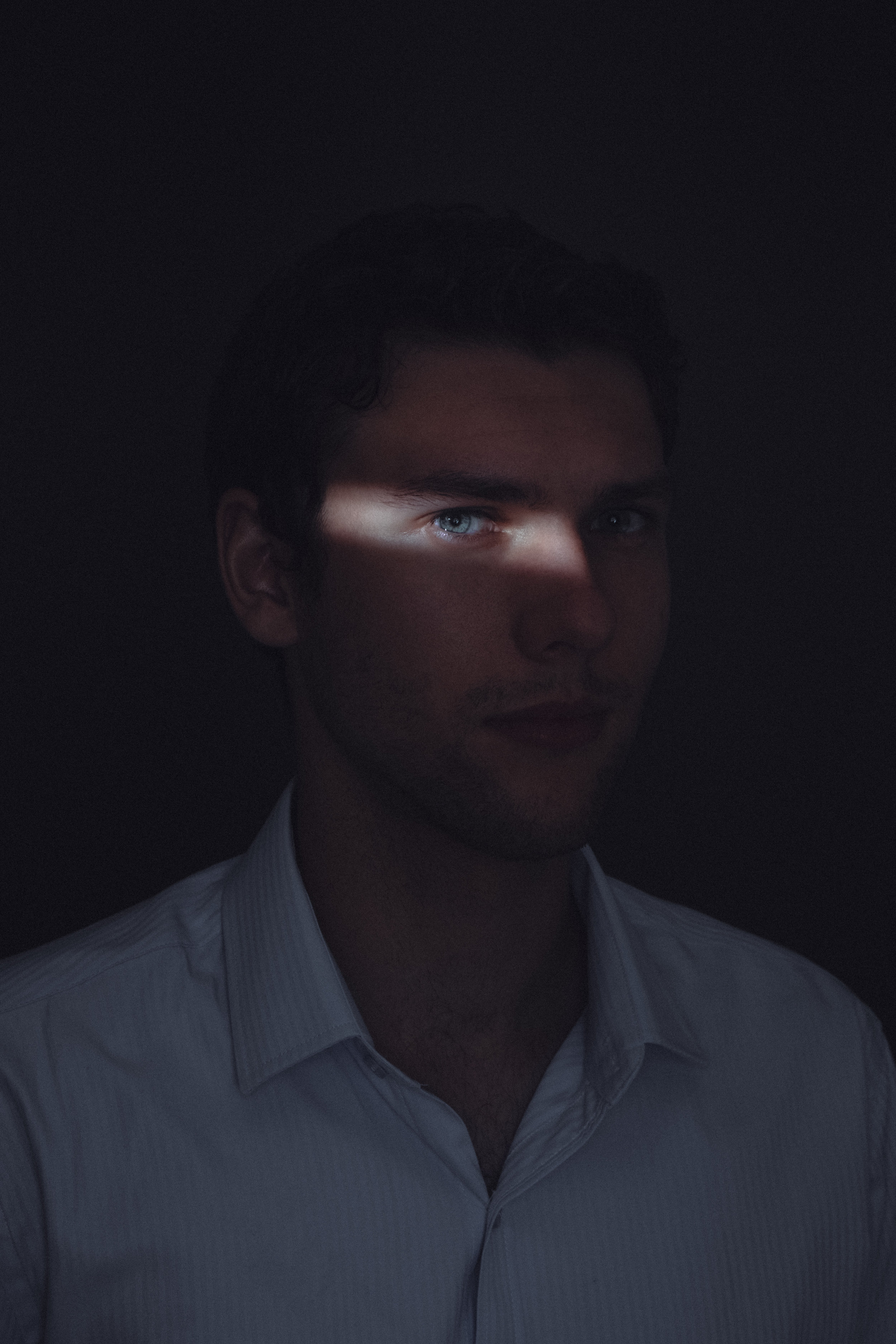Lok-Shadows-Robbie-2.jpg
