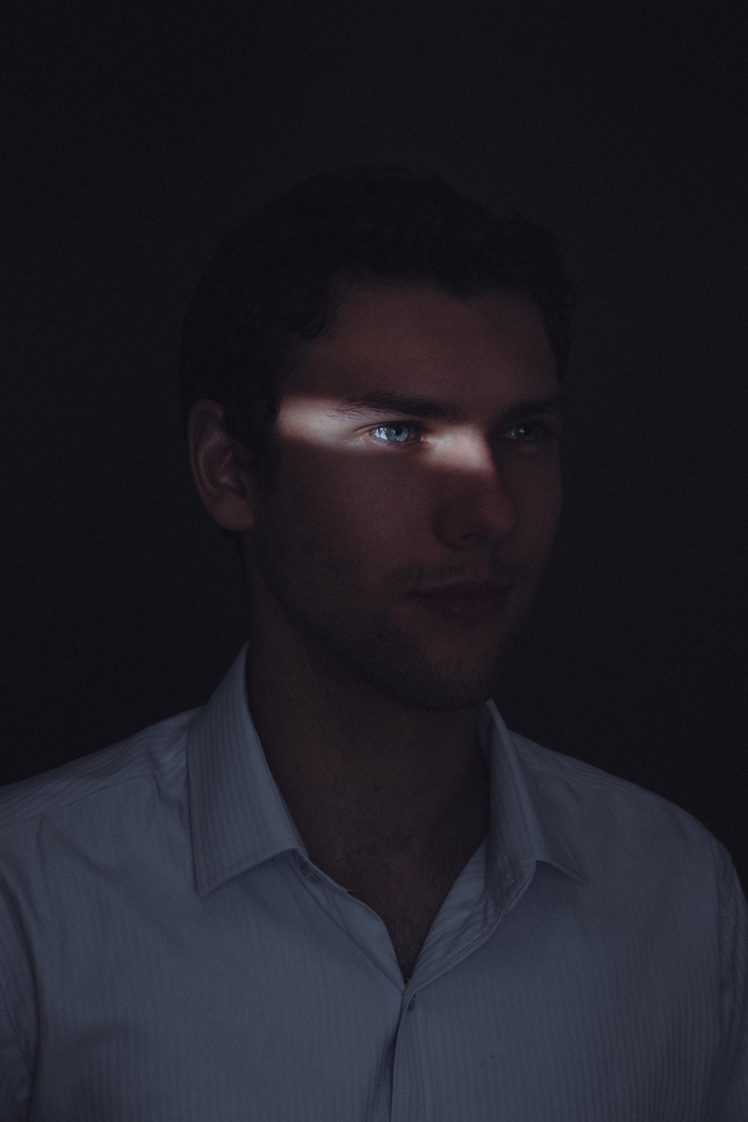 Lok-Shadows-Robbie-1.jpg
