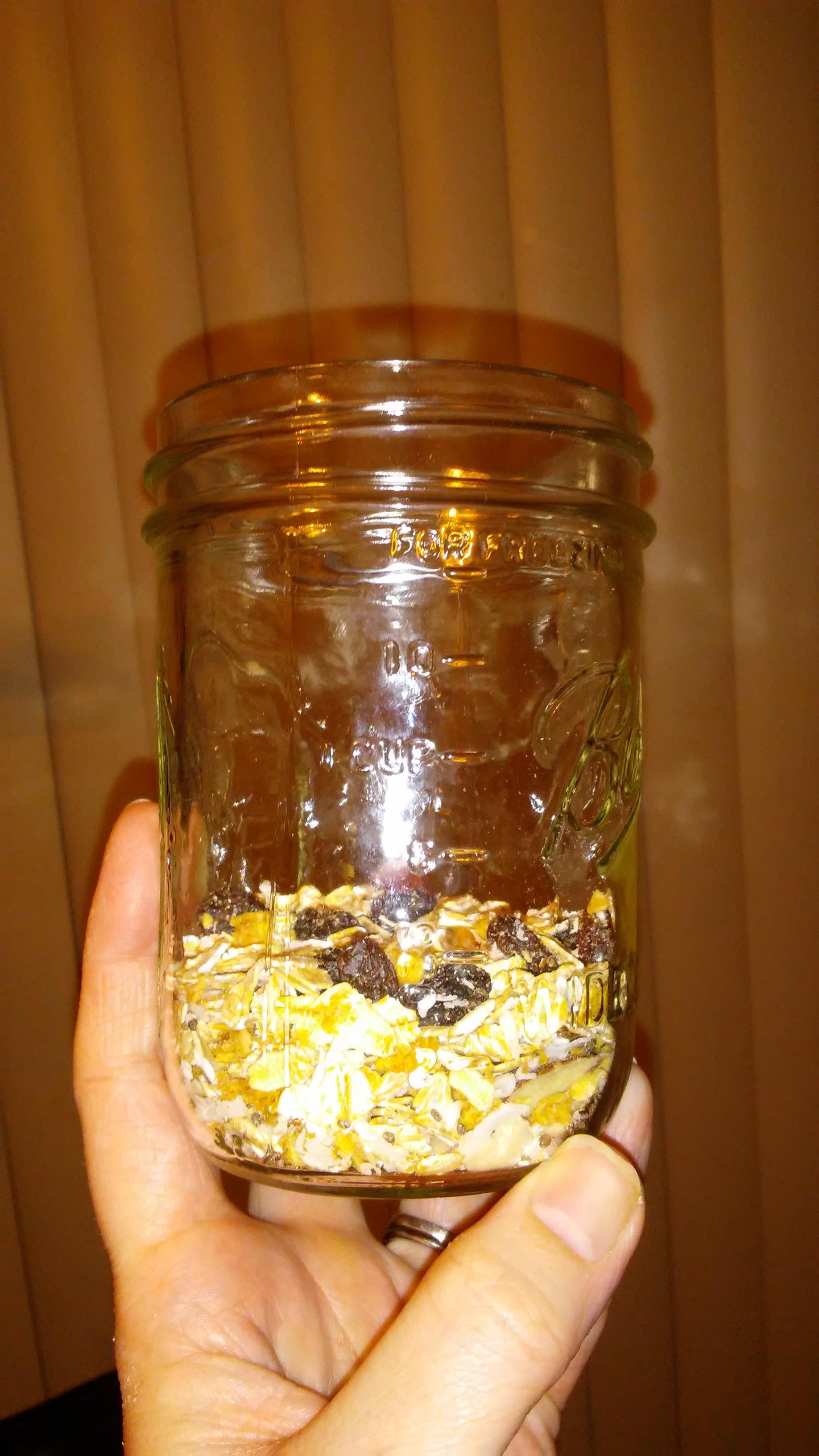 Oats in a pint jar