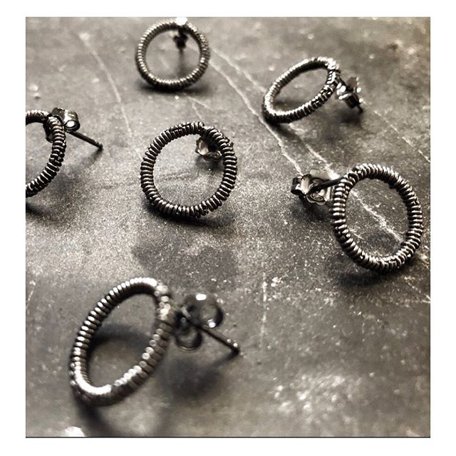 The black rhodium ads extra edge to the power circles that are the Pigna Eir Loops. Named after the Valkyrie Eir, who was a warrior, healer and protector.