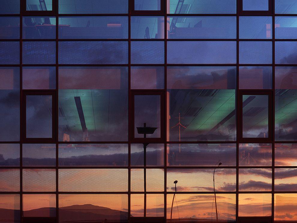 sunset-reflection-iceland_68270_990x742.jpg