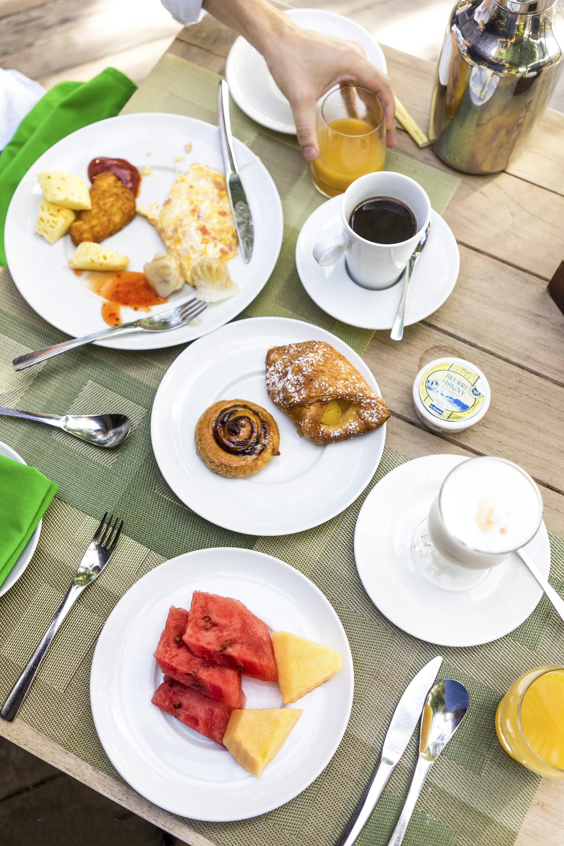 Breakfast at Manta