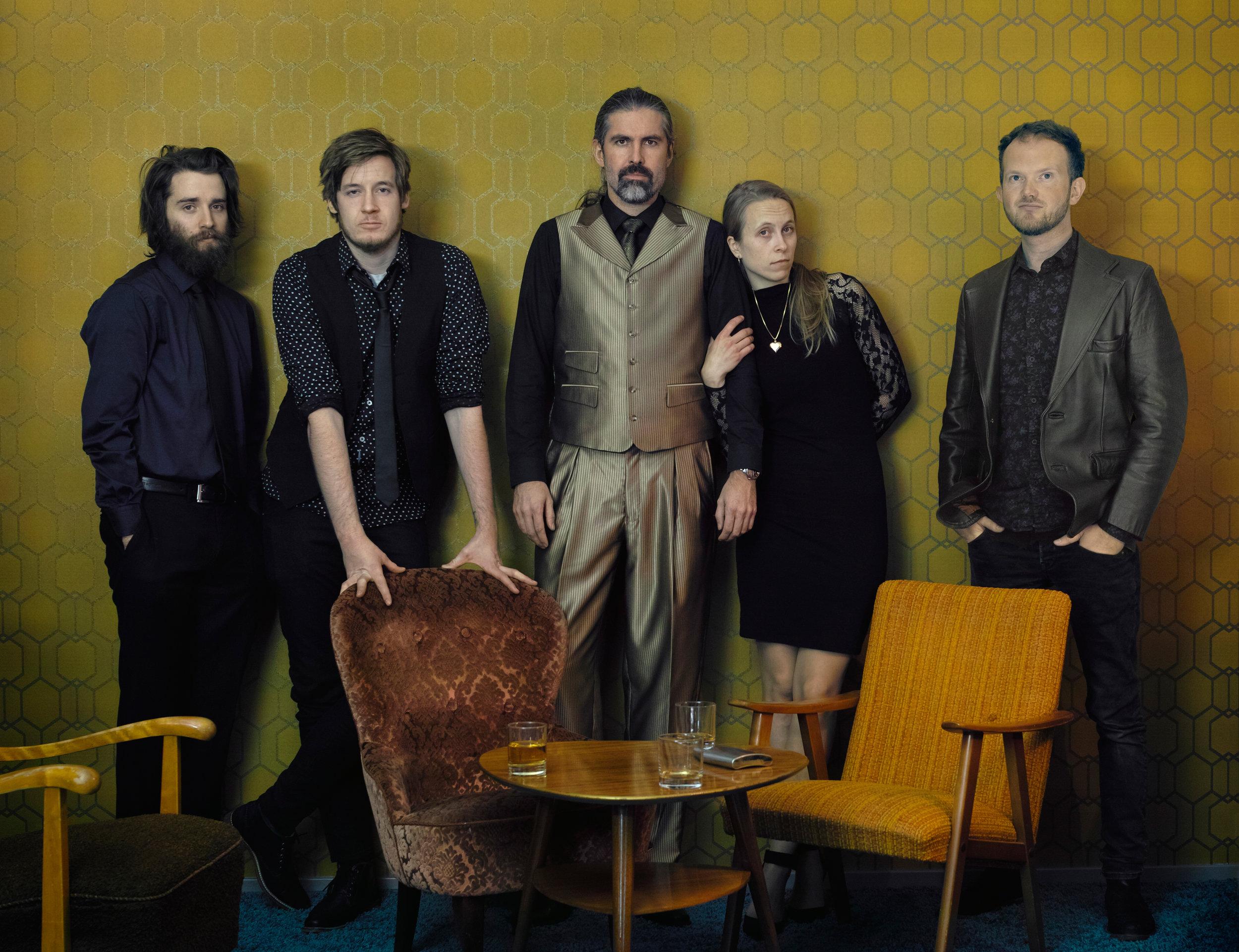 Photo: Roald Sundal Photo manipulation: Anders Brostory From left: Lars Håvard Birkenes, Knut Heggdal, Vidar Vedå, Cecilie Anna, Tron Leon