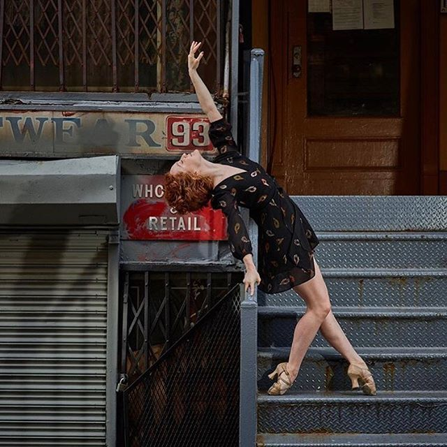 "Soaking up NYC✨• In 3 weeks, I'm headed down to @artshhi to be in the ensemble & understudy Lise in ""An American In Paris"". #quiqui 📸: @wadman365"